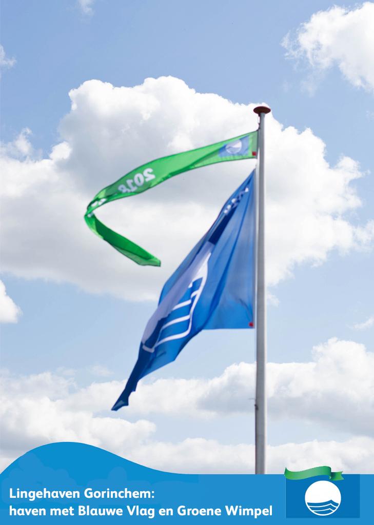 Blauwe Vlag en Groene Wimpel aan vlaggenstok